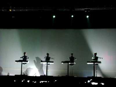Poză din net. Concert cca. 2000.