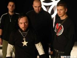 Altar este: Damian, Andy Ghost, Teo, Levi