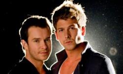 Steven Gately (stanga) era Gay. Partenerul lui era Andrew Cowles (dreapta)