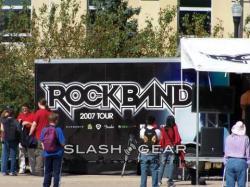 Autobuz de turneu pentru o formaţie de muzică rock