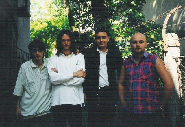 ACCES. 2000